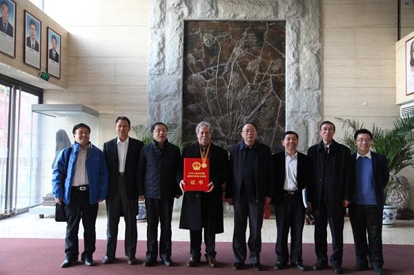 2017年1月9日中国地质调查局党组成员、地科院党委书记王小烈在局机关会见克里斯•葛立夫教授